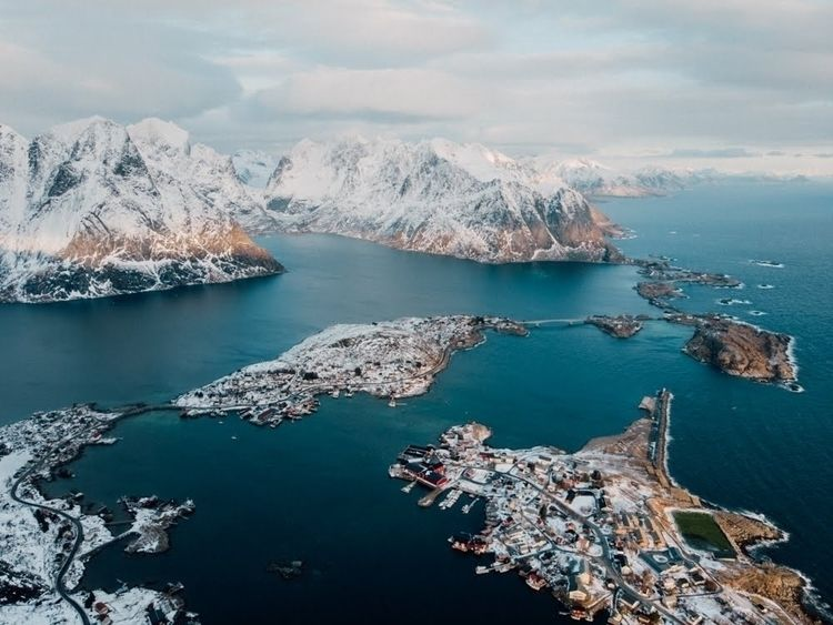 • gem winter Lofoten islands Su - explorewithmax | ello