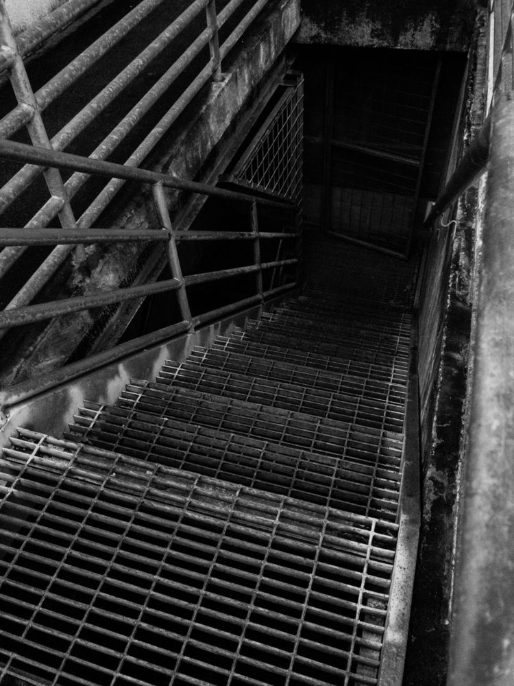 stairwell, abyss, iphone, blackandwhite - underflow | ello