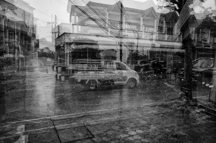 street Chiang Rai rain van pass - 82ruedaguerre | ello