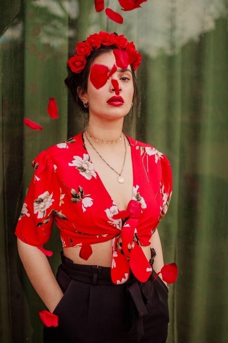 Flowers Frida - burnthelimits | ello