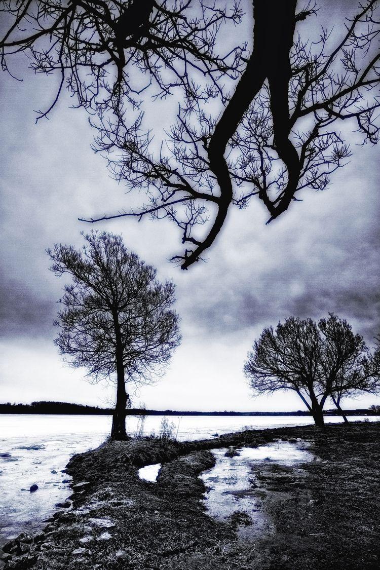 borderline truth.. Lake Scugog - russell2 | ello