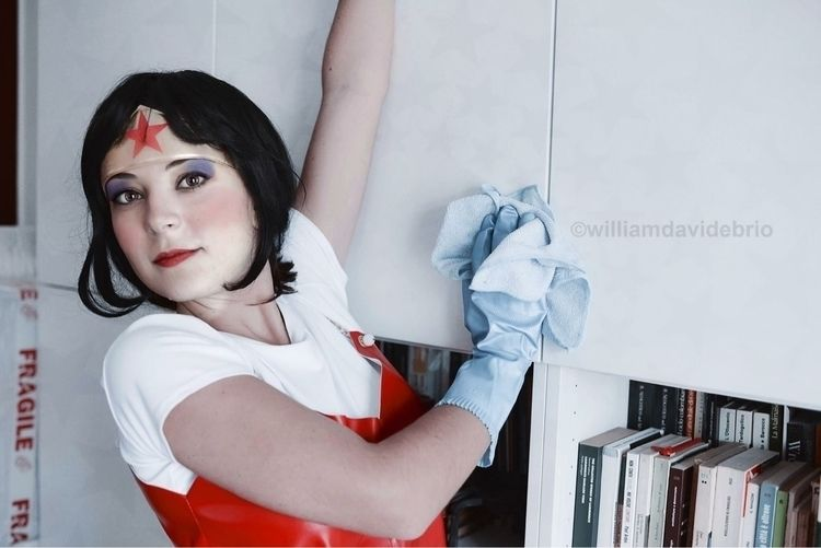 Wonders Woman: Cleaning books - williamdavidebrio - williamdavidebrio   ello