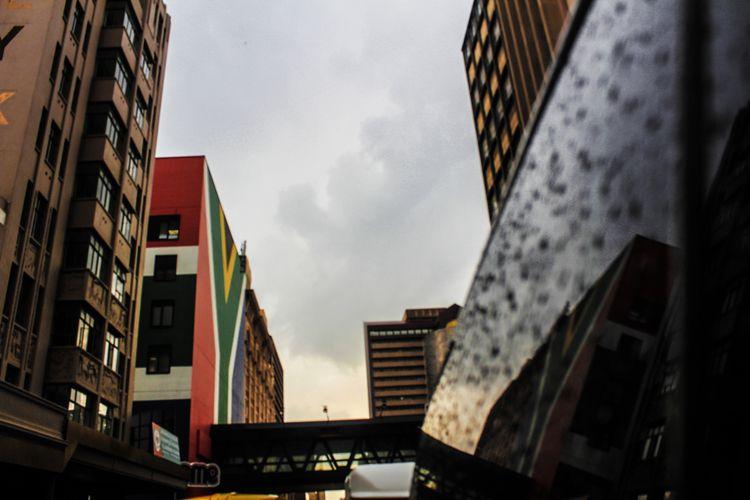 Joburg Streets - streetphotography - tokahlongwane | ello