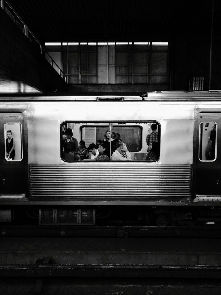 Train goin - viniciussouzateixeira | ello