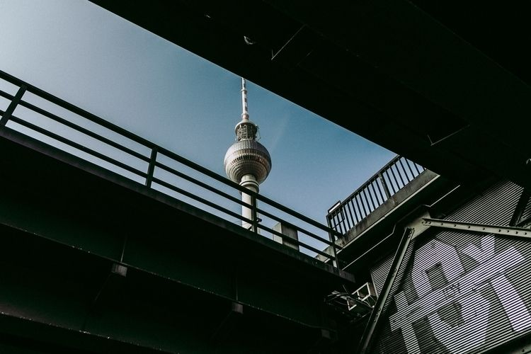 Berlin 18/02 Fernsehturm - photography - gkowallek   ello