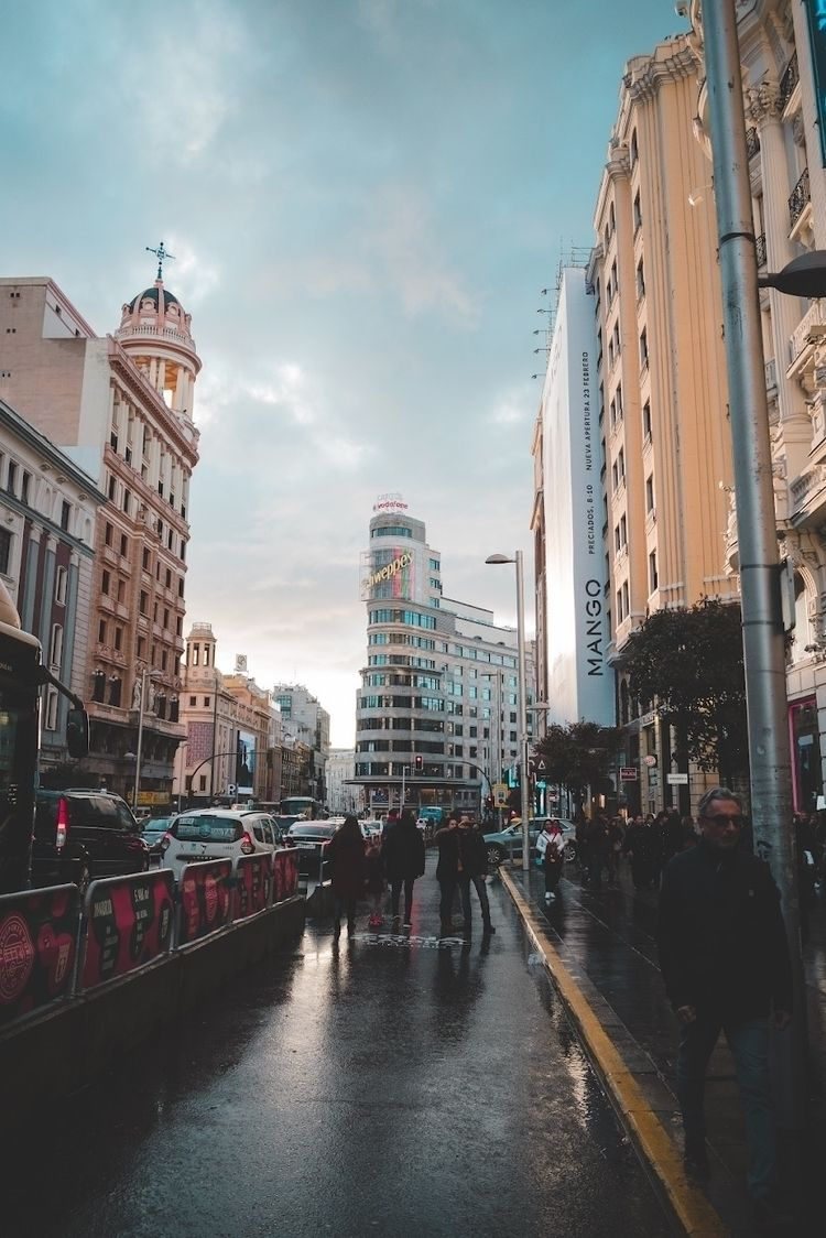 street, madrid, rain, people - newzero | ello