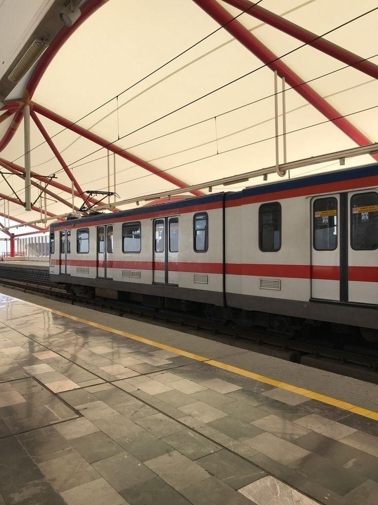 Late mornings Monterrey - publictransportation - katto | ello
