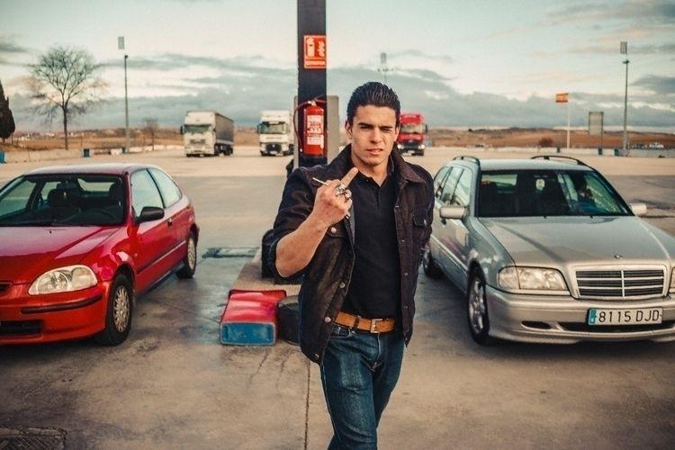 triping  - styleblogger, streetphotographer - alfonphotozine | ello