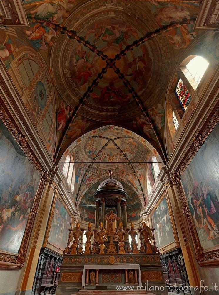 Milan (Italy): Presbytery Churc - milanofotografo | ello