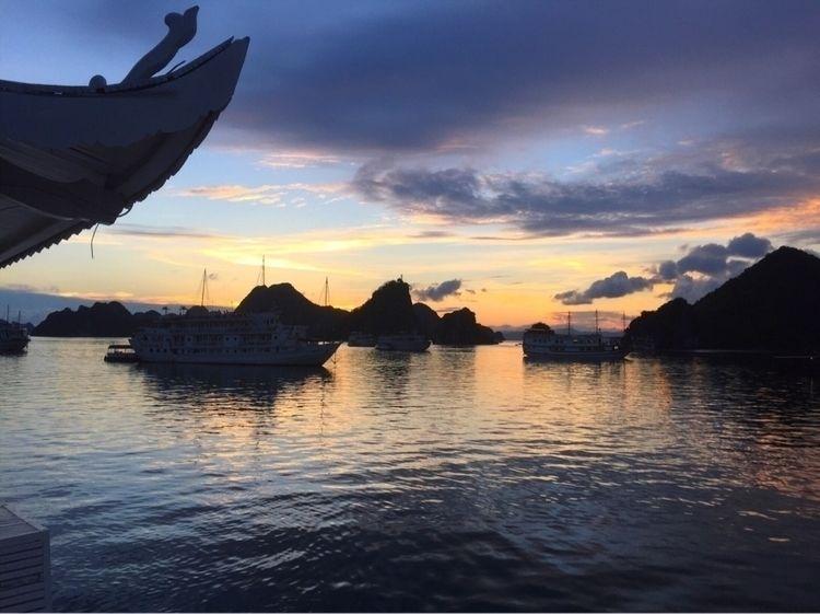 Ha Long Bay, Viet Nam - vietnam - _amyamit   ello