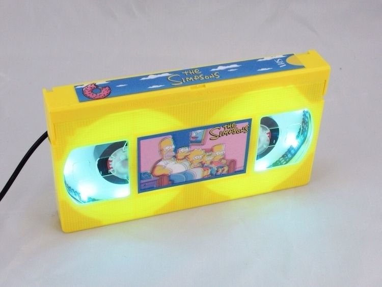 Simpsons Wave VHS Lamp. yellow  - egvastbinder | ello