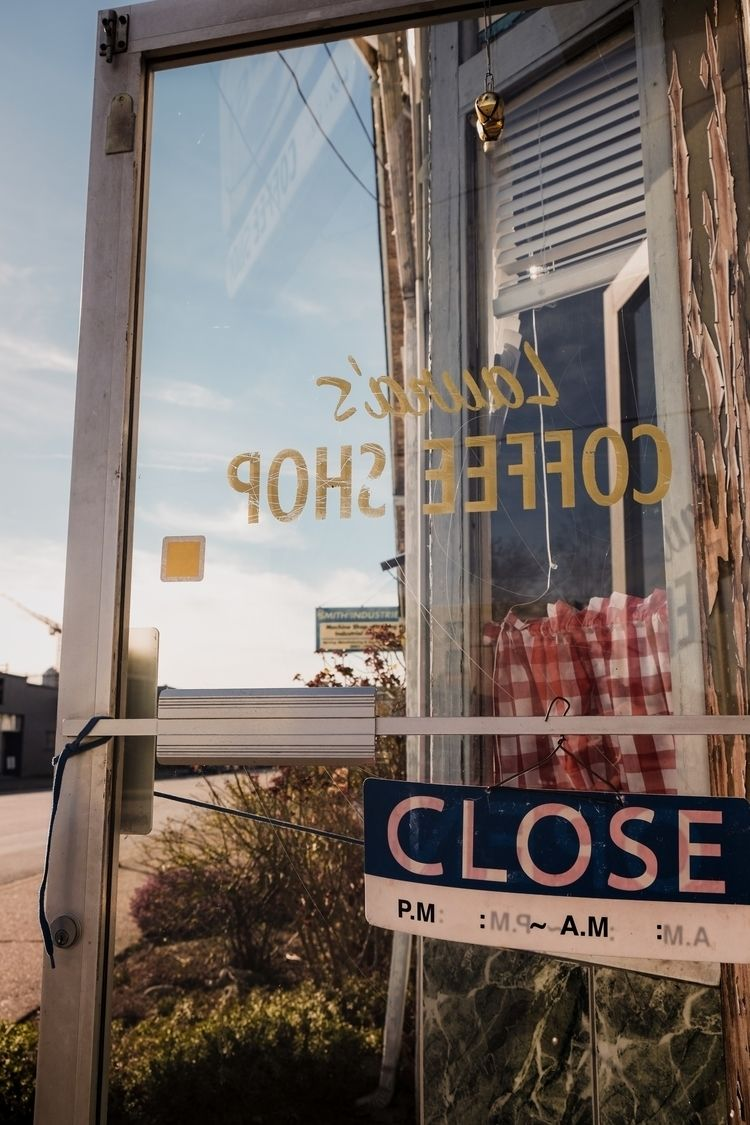 Hamburger Deluxe - xseries, streetphotography - kch | ello