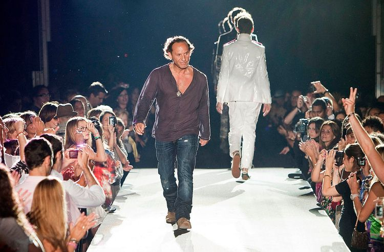 ランウェイあるいはキャットウォークとは、ファッションショーの間 - neo25ans2ch | ello