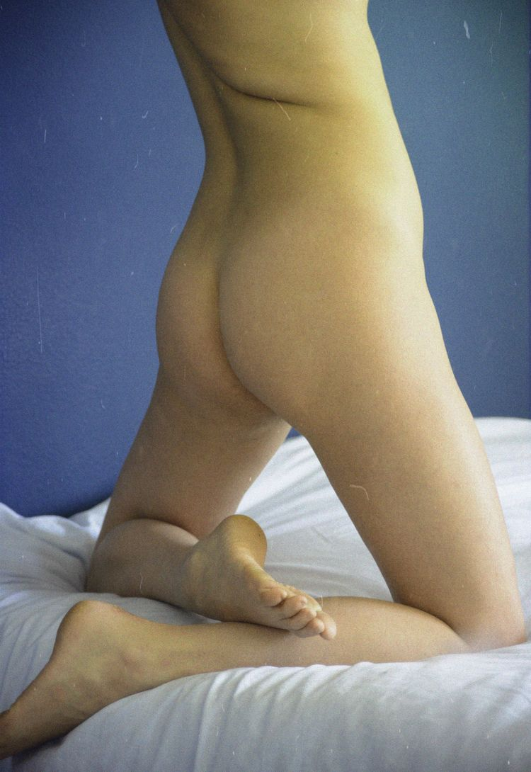 bed amazing - nude, portrait, body - camillaciovetta | ello