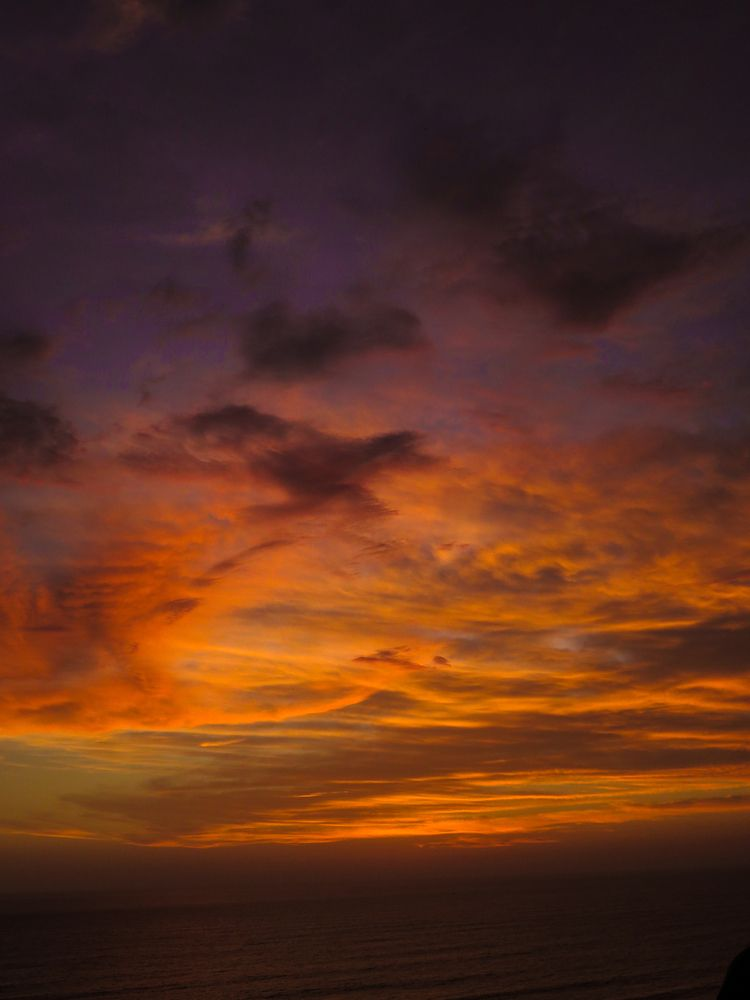 Sun sets Lima - born sun - coraimavaldezr | ello