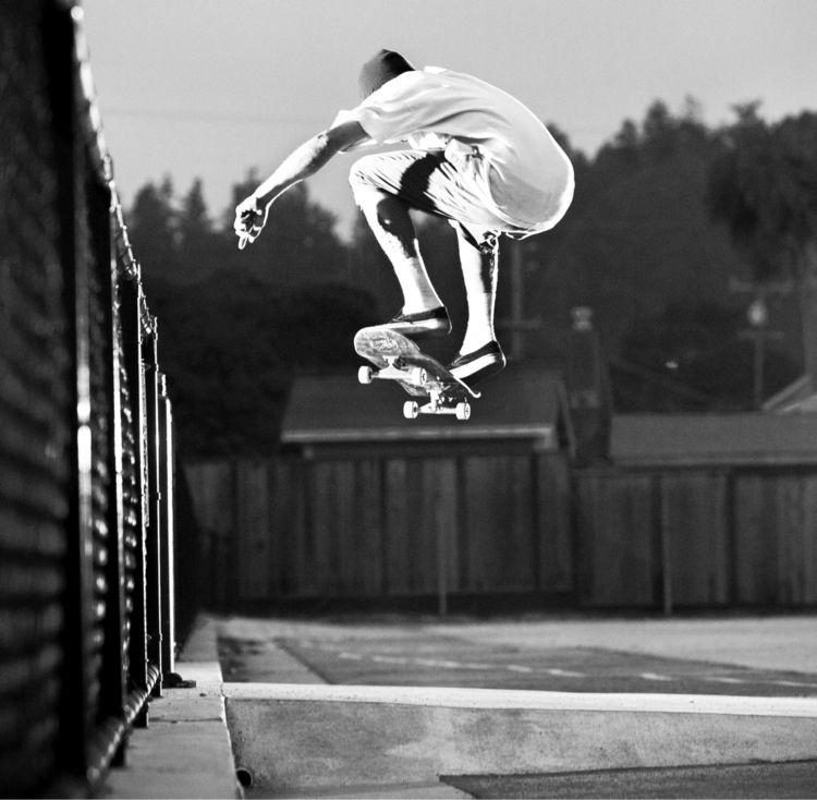 Mikey Curtis - Ollie - ponyboy, skateboarding - photobiram | ello