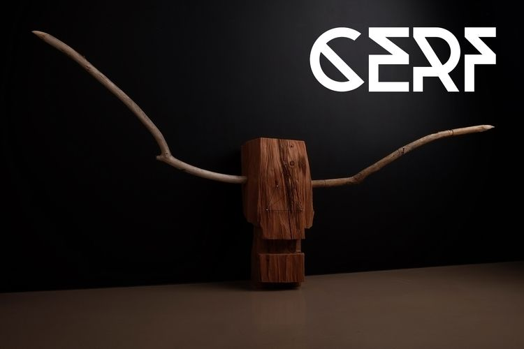 Cerf. material wood. 39cm 48cm  - tobiastavella | ello