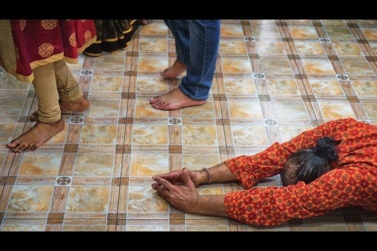 Shiva Darshana Hindu devotee pr - khuram | ello