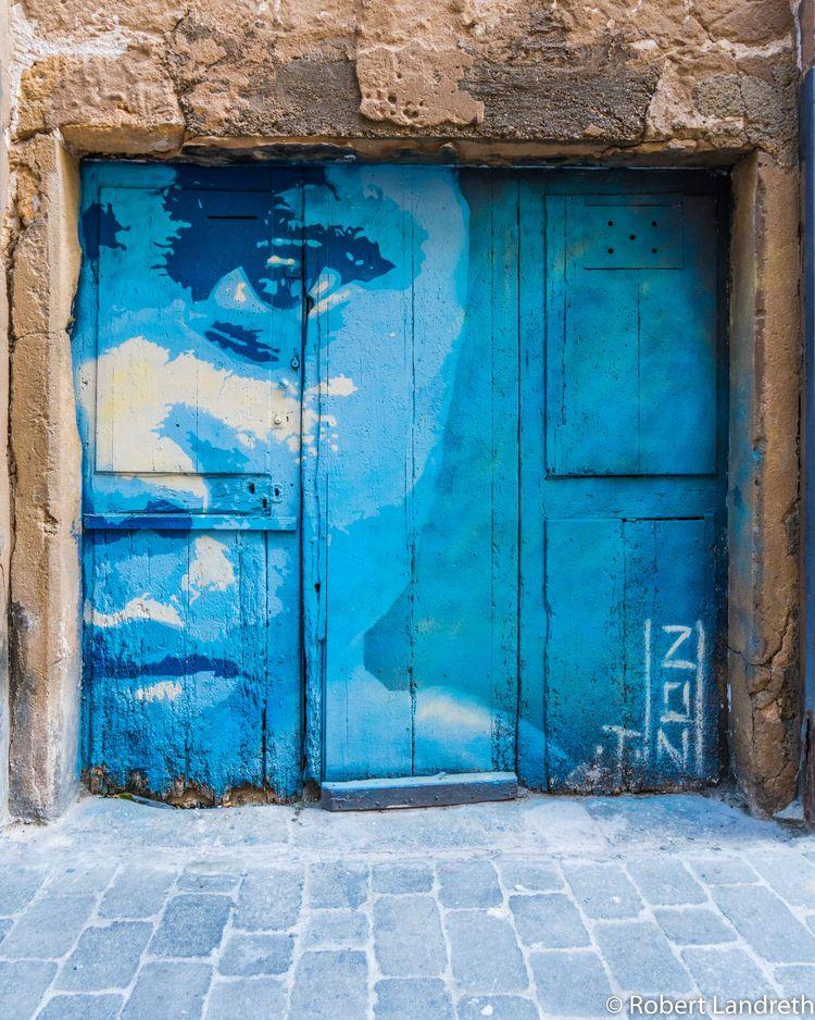 local graf Palma de Mallorca. b - robertjlandreth | ello