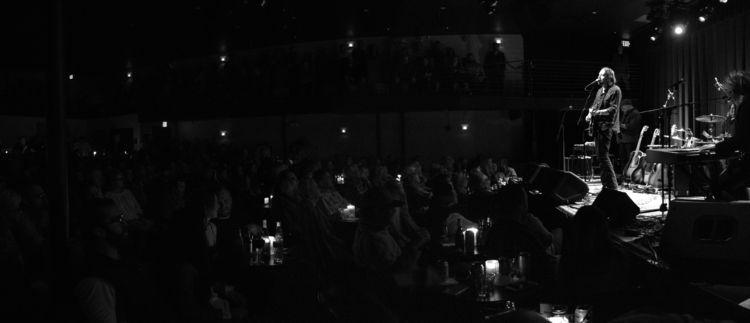 Hayes Carll - Kessler Theater - livemusic - jwestern007 | ello