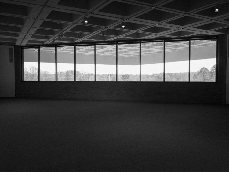 trip art museum. empty gallery - underflow   ello