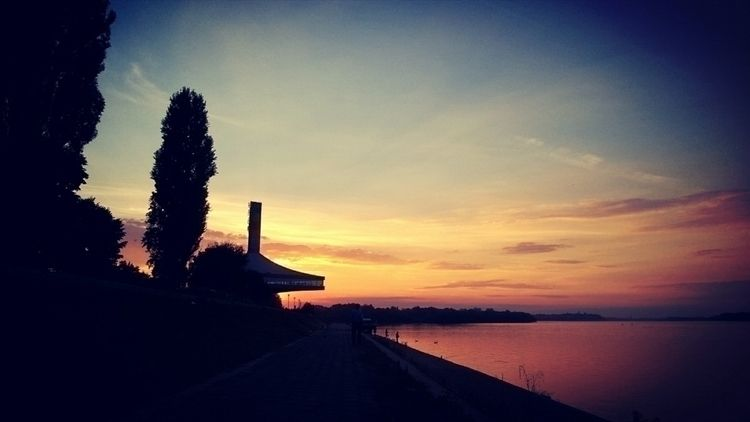 sunset, colors, danube, sky, ghostdog - n3moom3n | ello