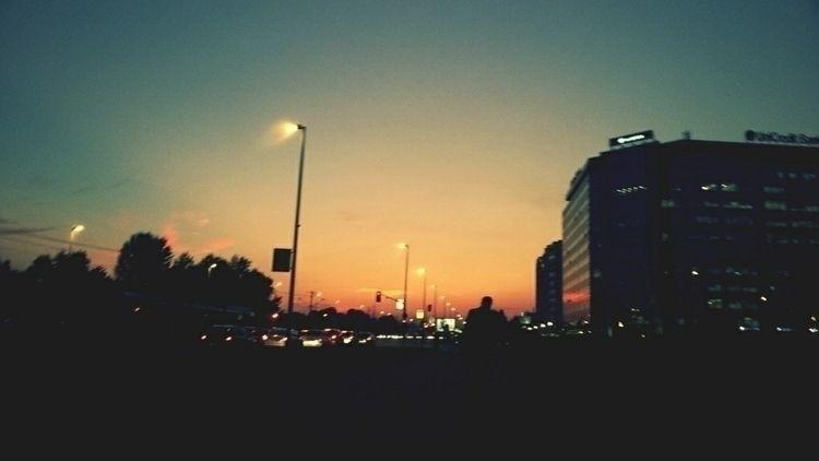 walker - novibeograd, sundown, streetphotography - n3moom3n | ello