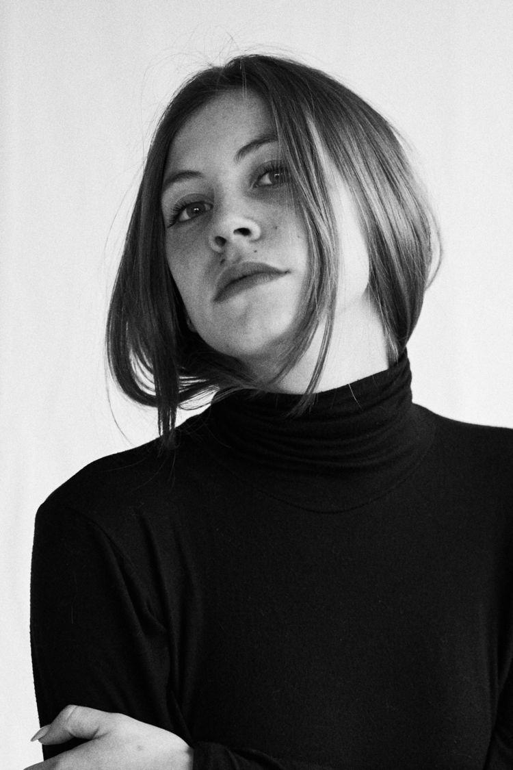Michela - newello, kodak, filmphotography - davideaicardi | ello