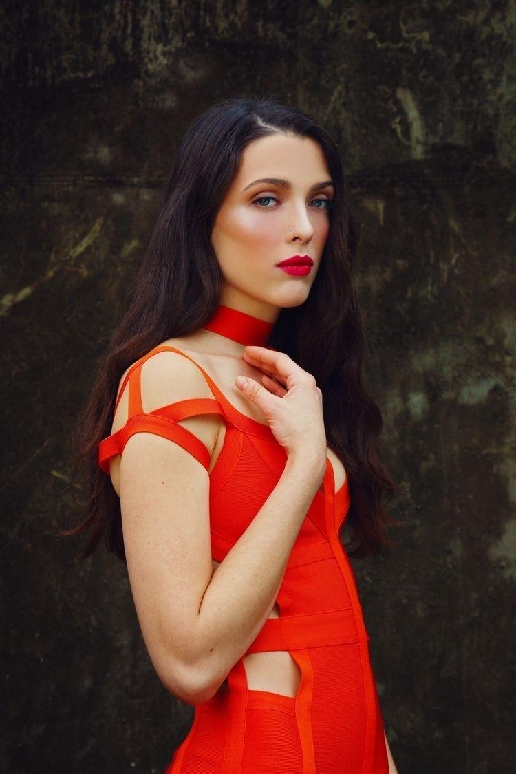Model: Ivy Hair:Dma Divo MUA: C - duscraftphoto | ello