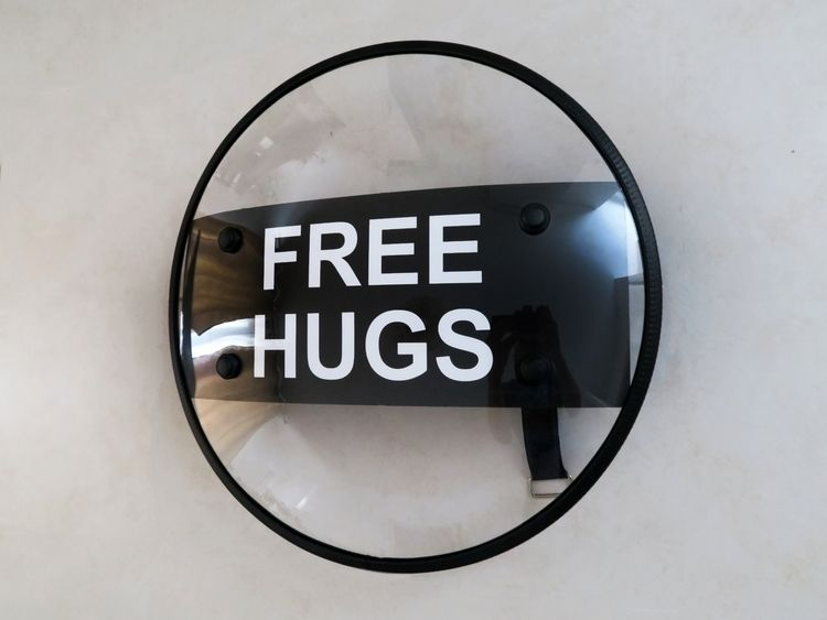 Free Hugs State emergency, demo - lomonacoguillaume | ello