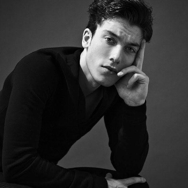 Portrait Nick Avender (LRJ mana - roberutsu | ello