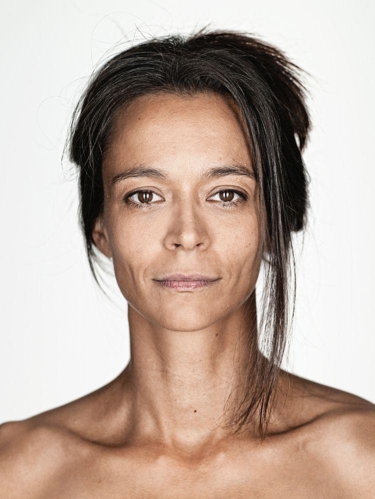 Yvonne, 2011 - wimwoeber | ello