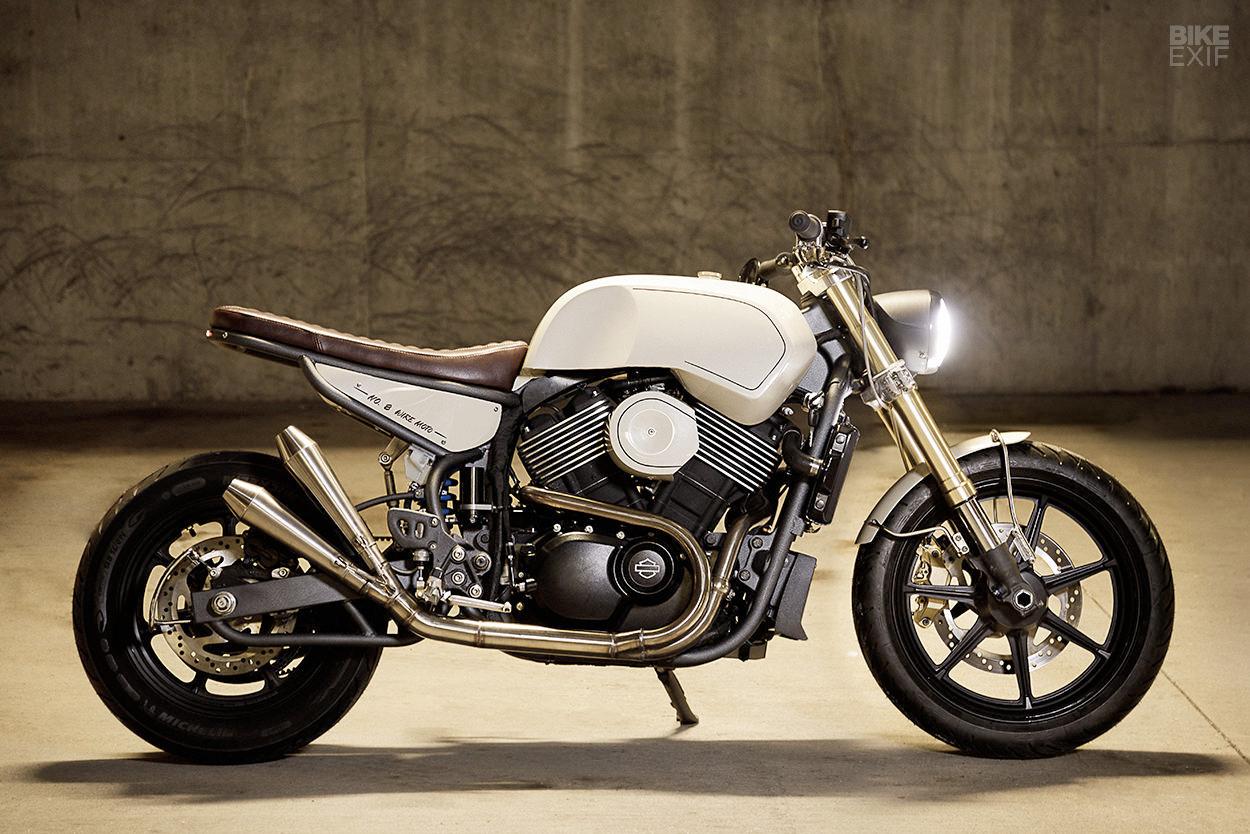 Street Smarts: Harley-Davidson  - red_wolf | ello