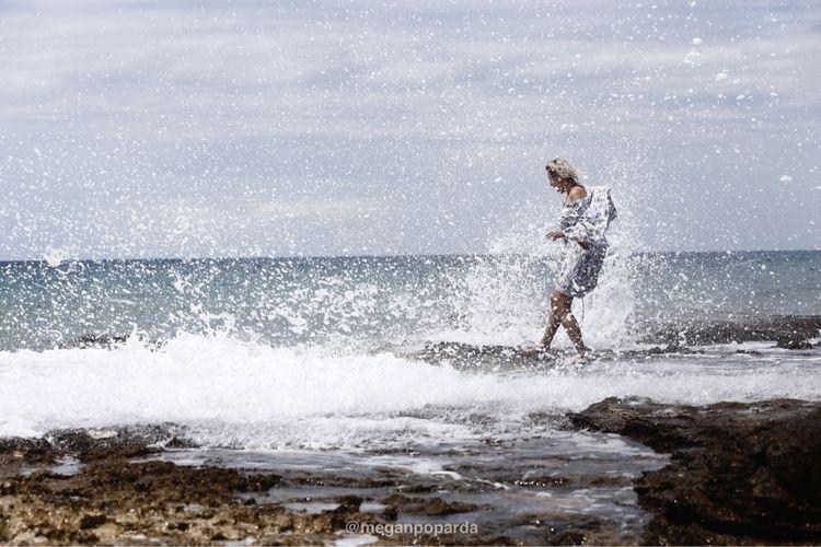 wave , sens feeling - dajla, summer - meganpoparda | ello