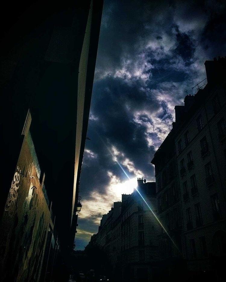 Morning Paris - createurdecouloir | ello