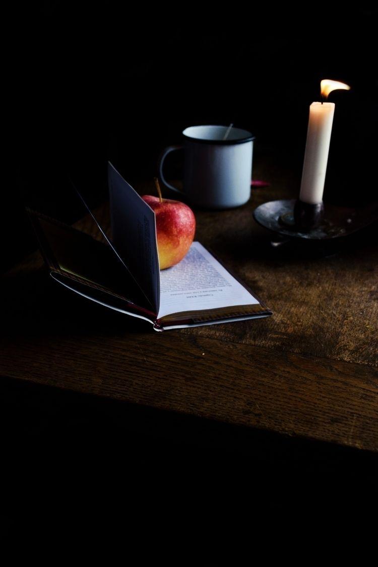 Feel free eat apple!  - photography - biteoflight   ello