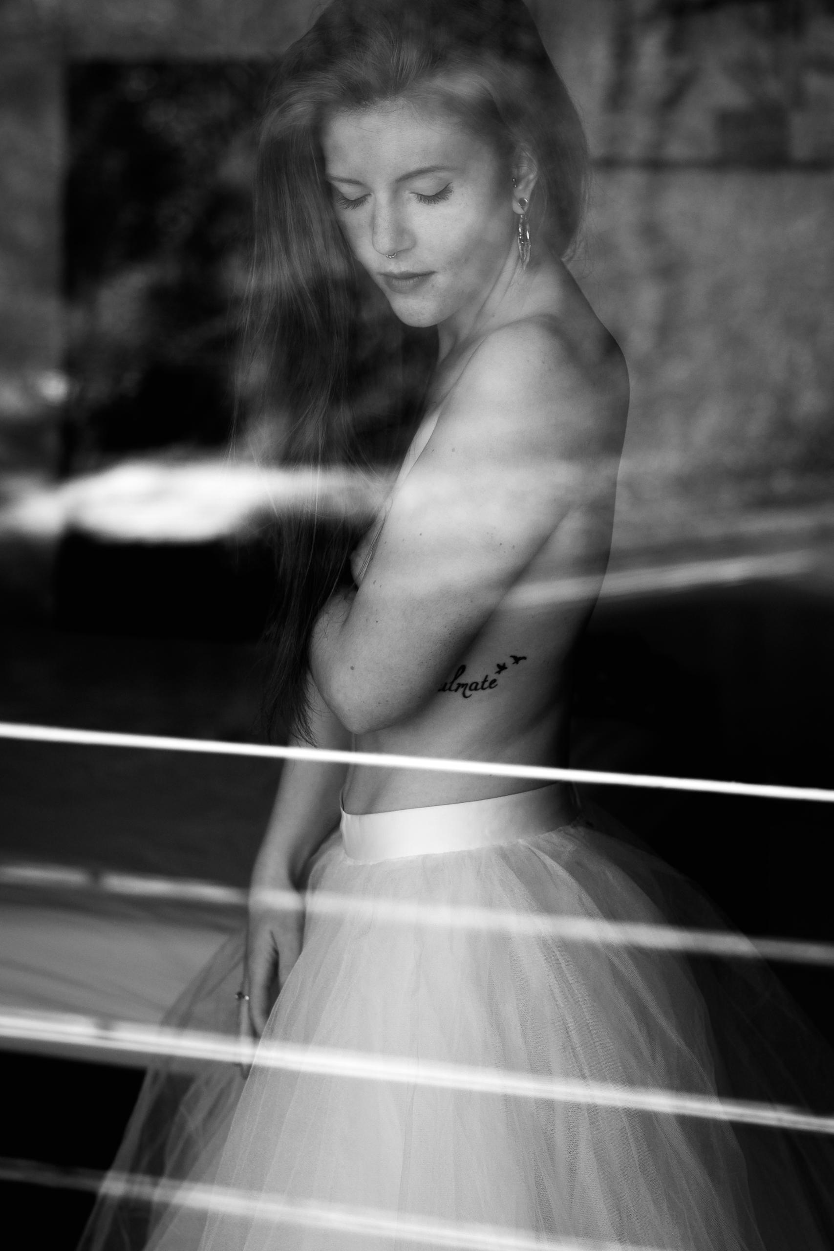 Reflecting reflections - girl, female - pixelhunter | ello