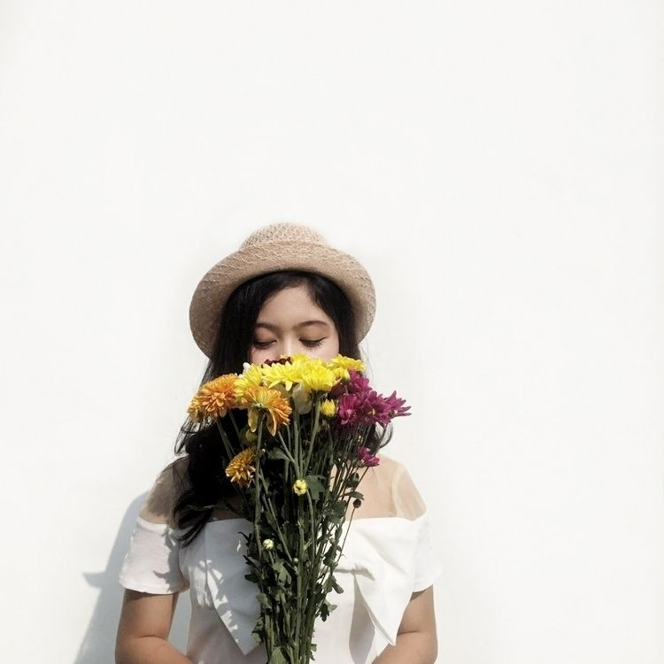 flower, woman, white - rakharakids | ello