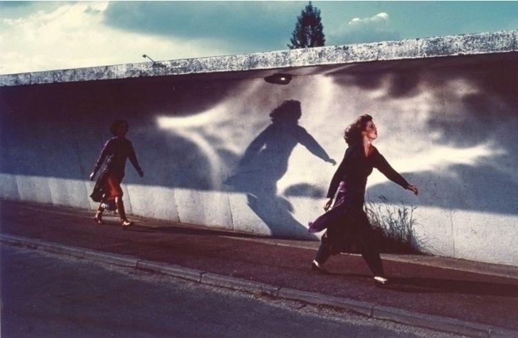 Guy Bourdin French Vogue, 1975 - karinechaneyin | ello