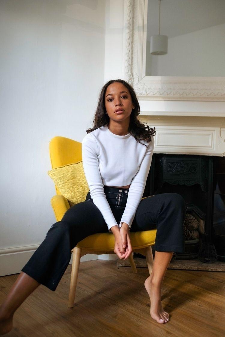 Tia Lewis - Londonphotographer, makeportraitsnotwar - kidcircus | ello
