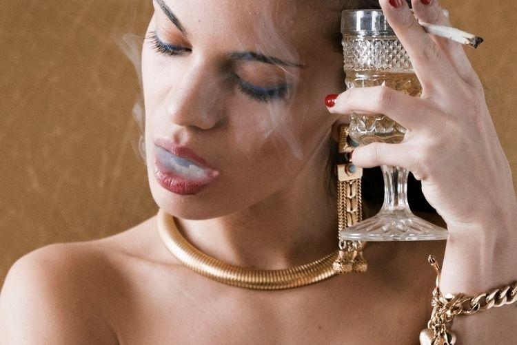 champagne, kush, stonedfox, marijuana - stonedfoxmag | ello