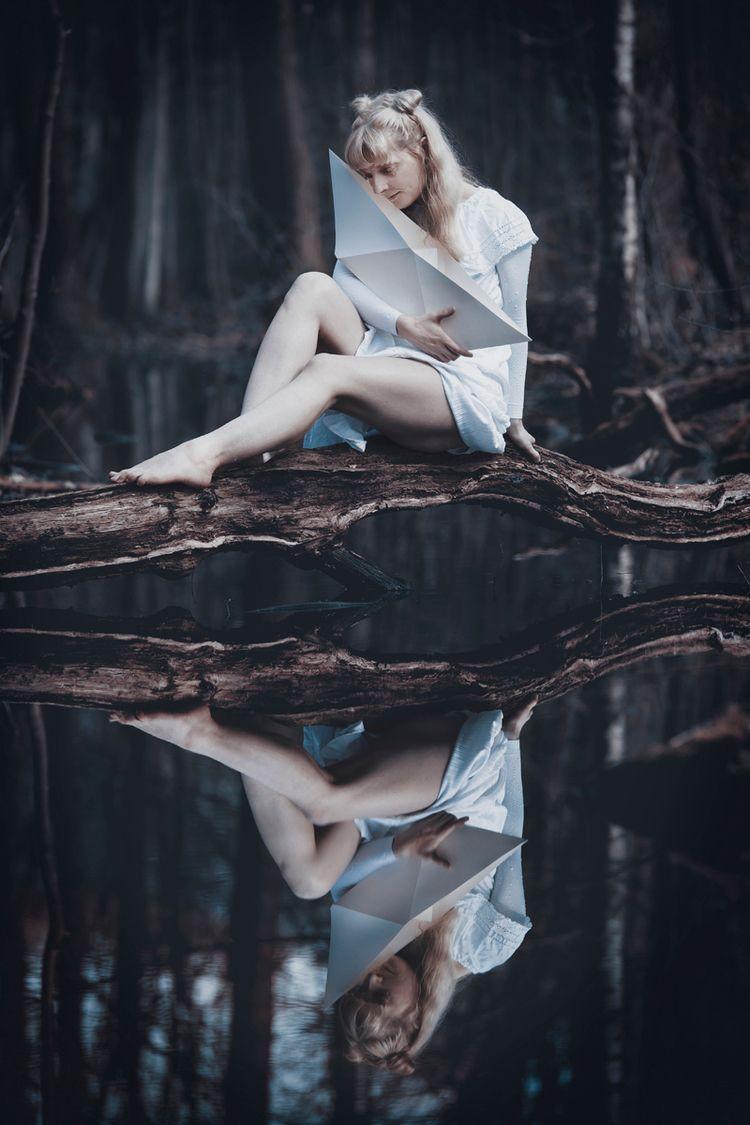 Photographer: Krokographie Mode - darkbeautymag | ello