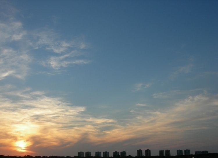 Valencia, Spain - sunset, sky, photography - ivop | ello