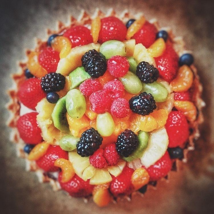 Fruit tart - foodporn, hollingsworth - hollingsworth | ello