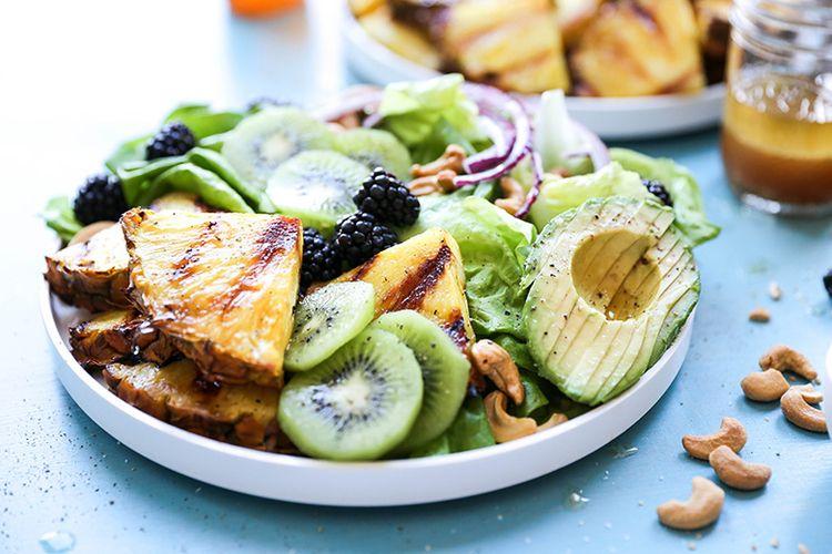 Charred Pineapple Salad. recipe - floatingkitchen | ello
