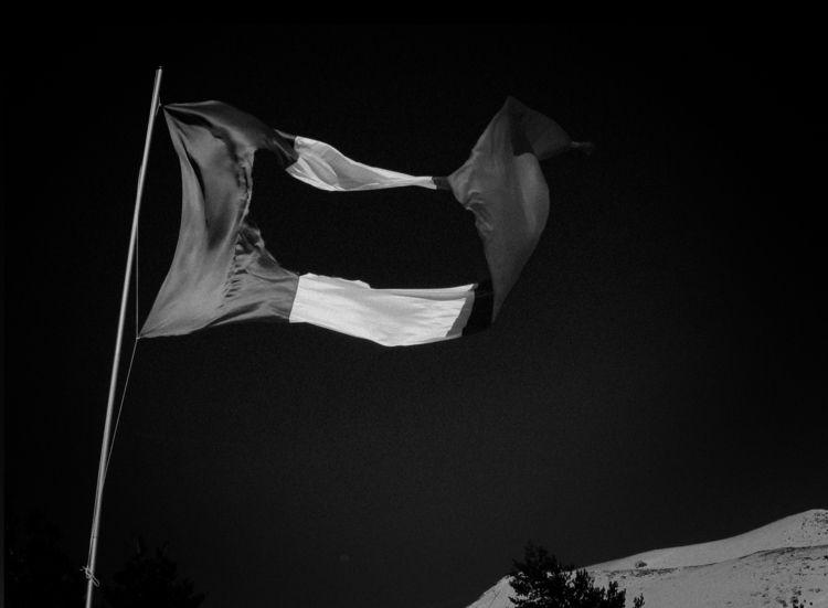 BANDERA/CENOTE Flag hole. 258x4 - andresmontes | ello