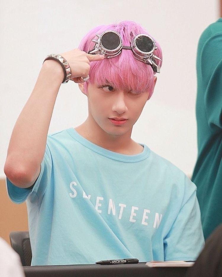 • jun/junhui × seventeen - seventeenpics   ello