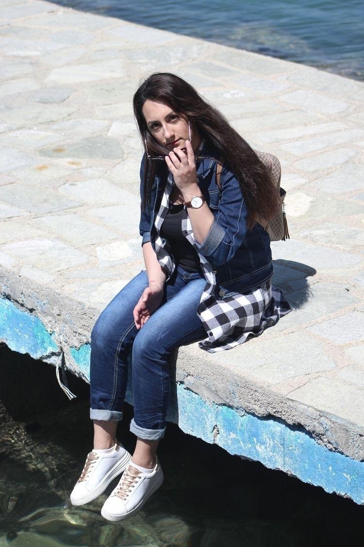 model, fashion, portrait - savi_gi | ello