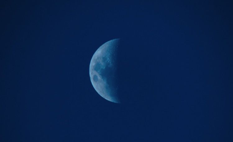 Moon  - moon, blue, light, dark - fruitsfluid | ello