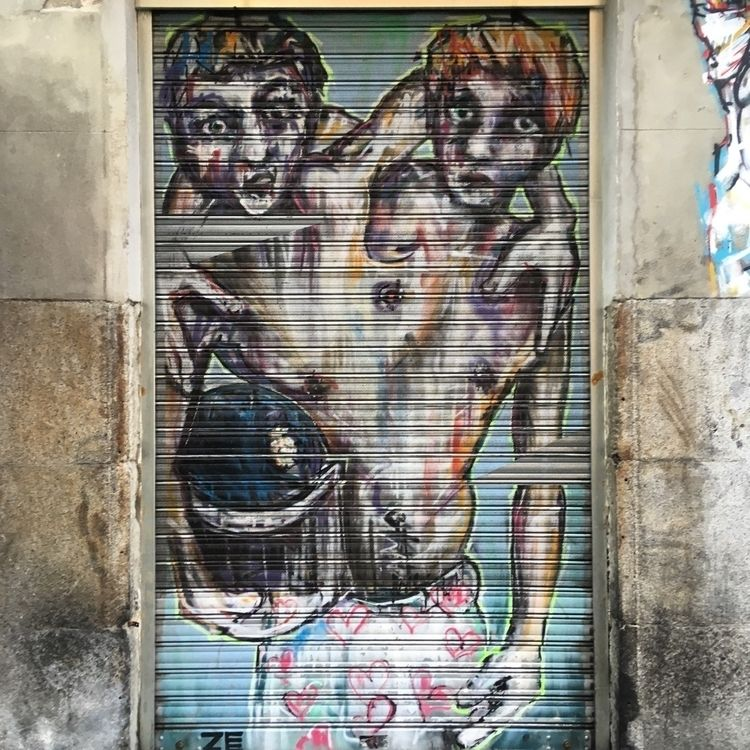 Couple - Madrid, Lavapies, streetart - antoniofse | ello